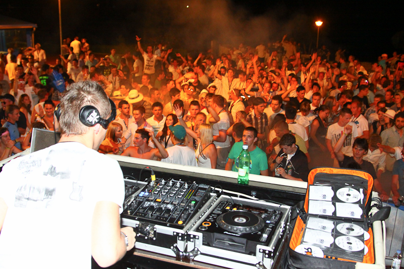 DJ Rene Rodrigezz @ Spring Break Europe 2011